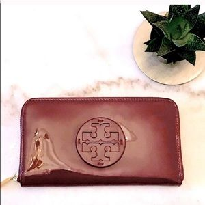 NEW Tory Burch Continental Wallet